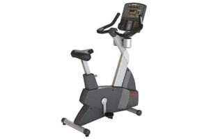 Life Fitness Club Series Upright Lifecycle Exercise Bike Platinum